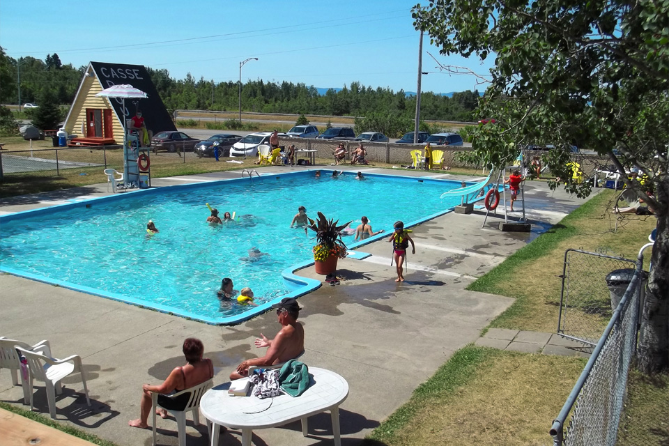 Camping-Rayon-Soleil_Photo-piscine-23