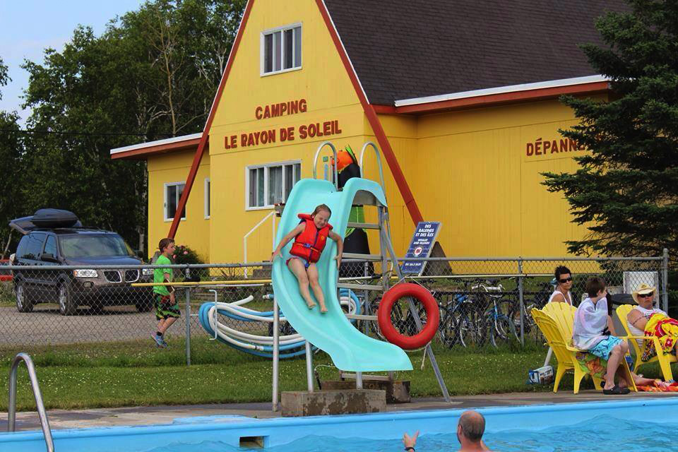 Camping-Rayon-Soleil_Photo-piscine-43